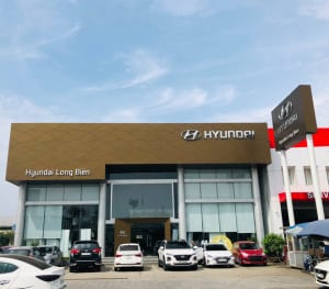 Vệ sinh showroom Huyndai